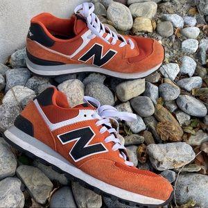 New Balance 574 orange black men's 8.5 sneaker 👟